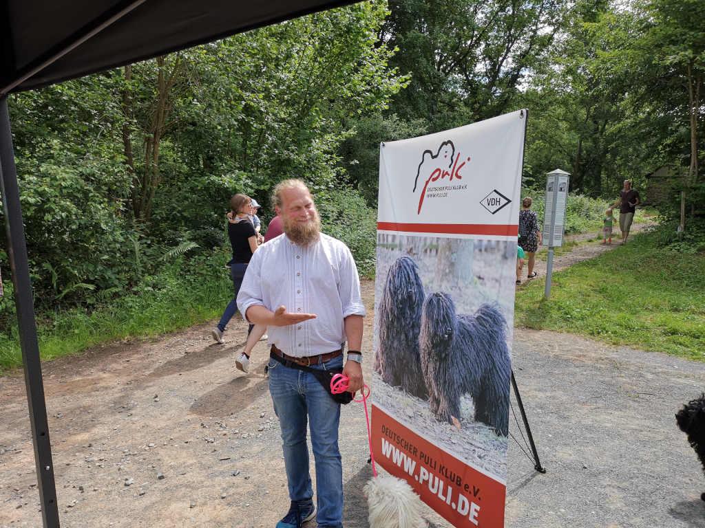 Michi stellt den Tag der Tiere in Bad Sobernheim vor